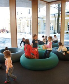 489px-Turku_main_library,_new_part,_children's_section